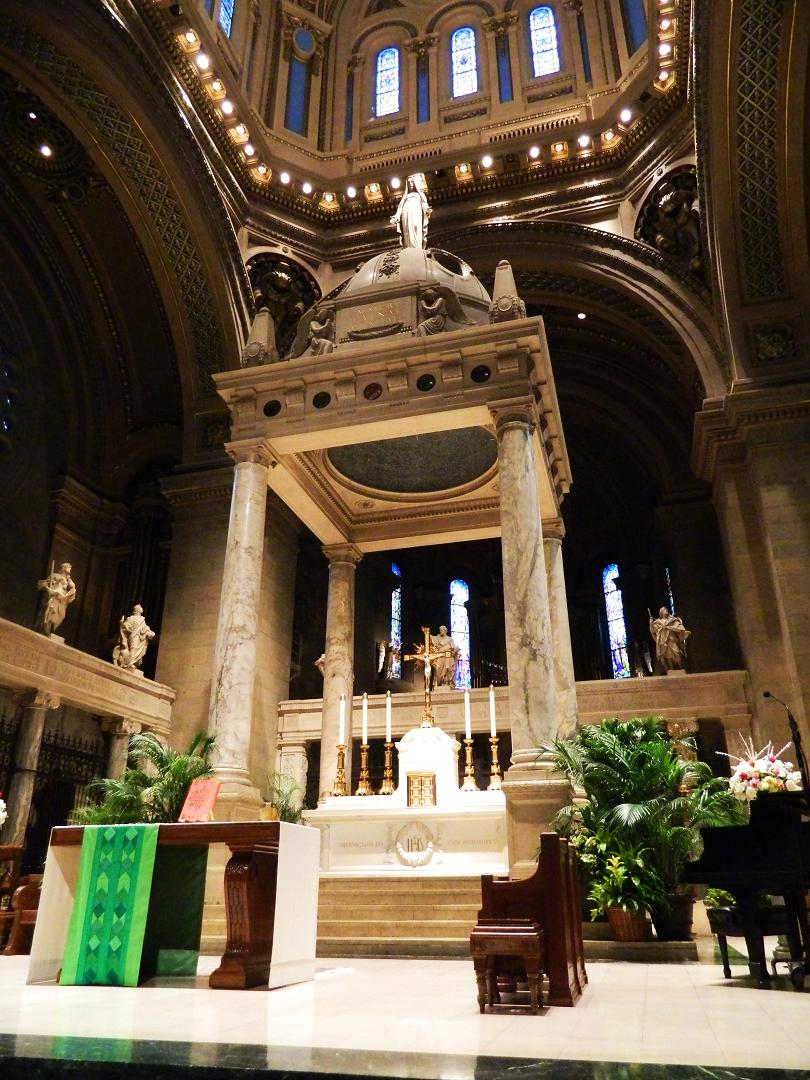 The alter inside the Basilica