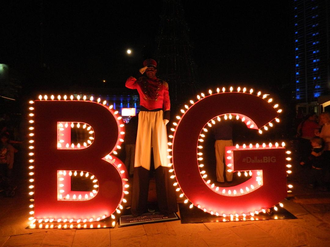 Dallas' BIG campaign visited the 2013 tree lighting