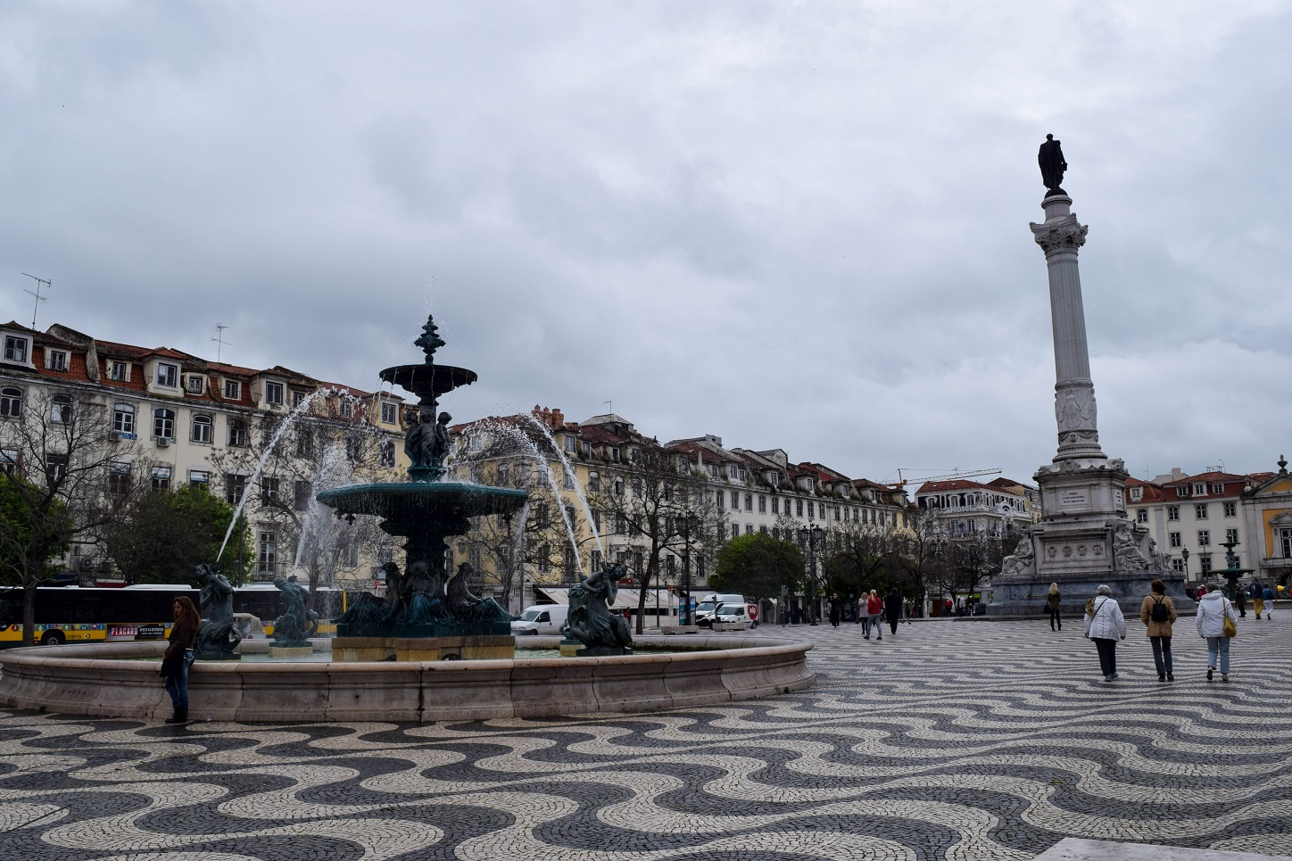Praça do Rossio in the rain