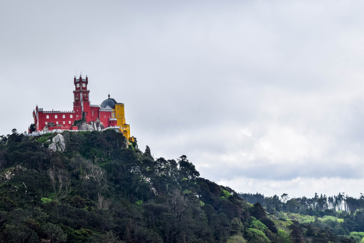 View of the palace seen from the Castelo dos Mouros